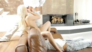Attractive sweetheart pleases upon say no to wild cowgirl riding